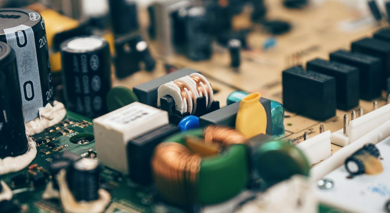 Netzteil, Stromversorgung